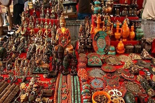 Arts & Crafts Products in Leh Market