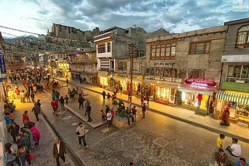 Leh Mall Road