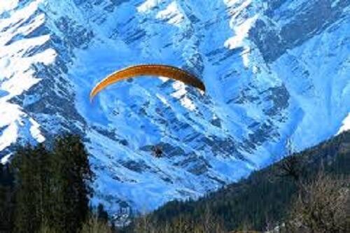 Paragliding at Solang