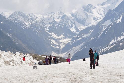 Enchanting Ladakh with Manali & Kashmir