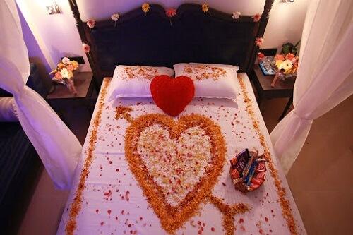 Honeymoon Flower Bed Decoration