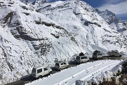 Keylong to Rohtang Pass Road