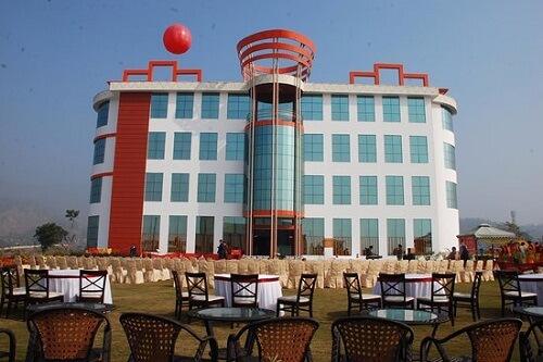 Hotel Near Chandigarh in Himachal